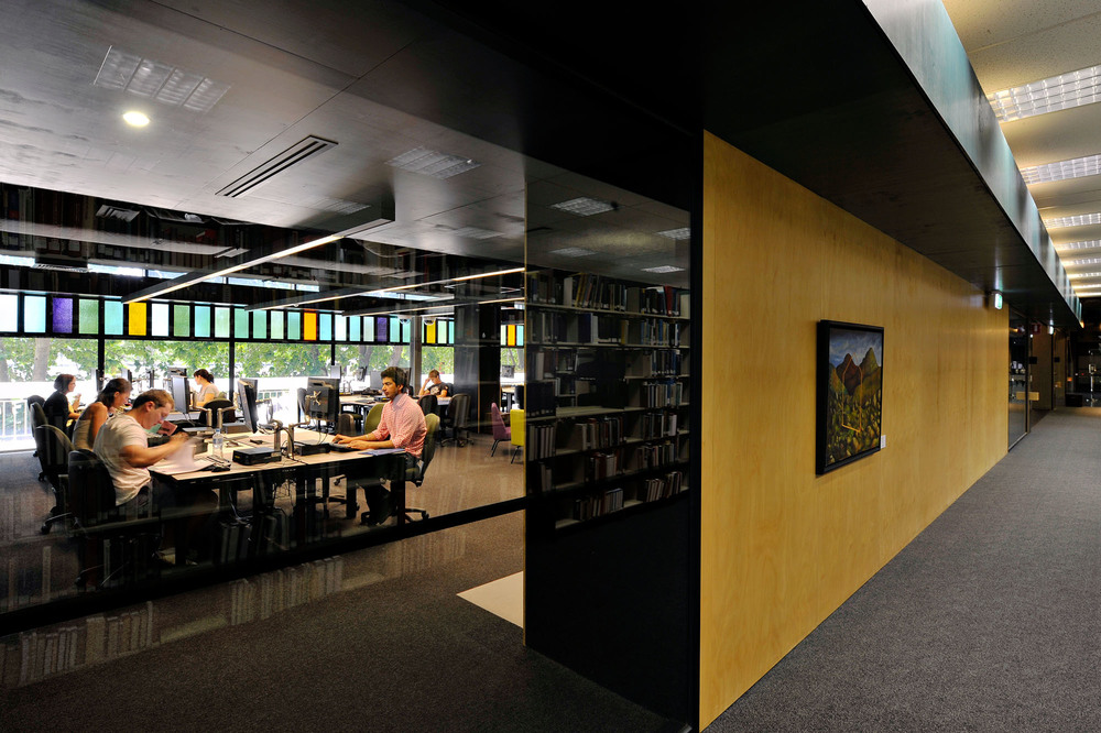 "Deakin University Library<a href=""/area-of-your-site""></a><strong>Waurn Ponds Campus</strong>"