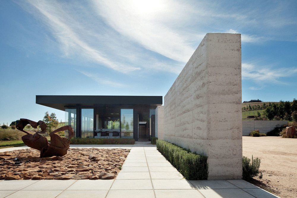 "Private Residence<a href=""/area-of-your-site""></a><strong>Hanging Rock</strong>"