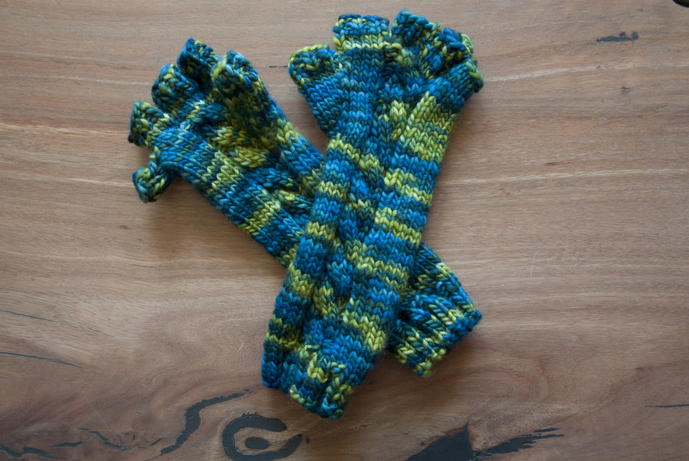 Crafts_Ashlyn Gloves_20131013_0007.jpg