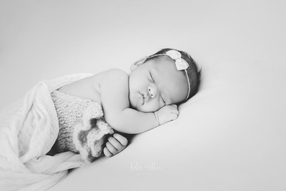 Kinley Newborn-8310.jpg