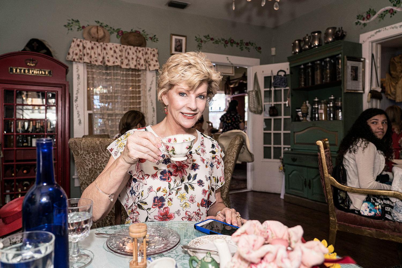 Woman's World January 2018 Serenity Tea House & Cafe