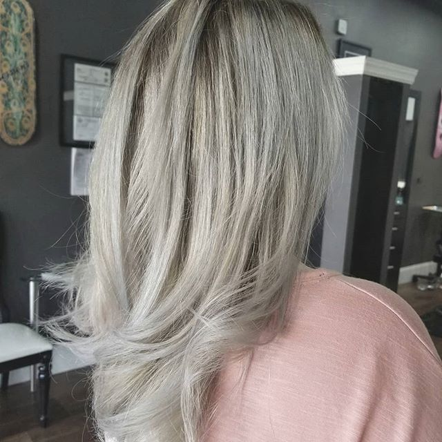 ❄icy and cold❄❄ ✂️artist: @hair_by_mandy_brown ⭐