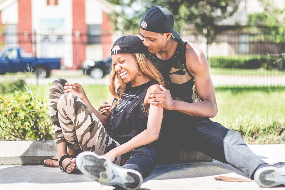couple-2590797_960_720.jpg