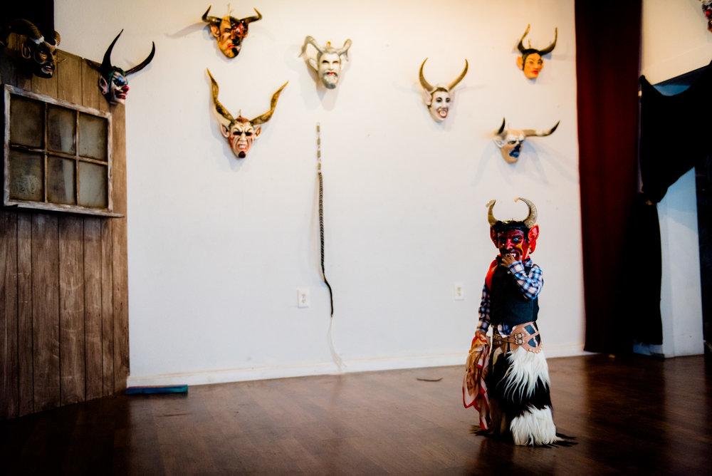 Art Opening: Exhibición Diablos
