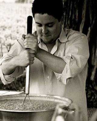 💥 So excited for @macariomontoya to share his delicious @campesinocellars wines 🍷 with our guests tomorrow night 💥 Maybe he'll share his bean recipe with us 🤞🏻