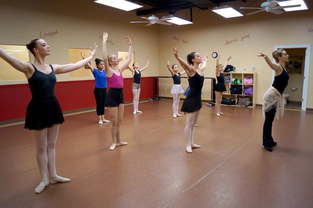 ballet int.jpg