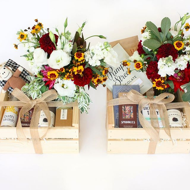 New fall boxes are now up on the website! Fresh flower bouquet included with local Bay Area deliveries 🤗