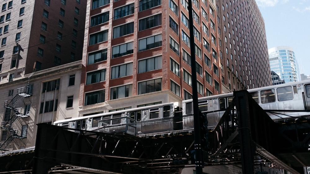 010-chicago-train.jpg