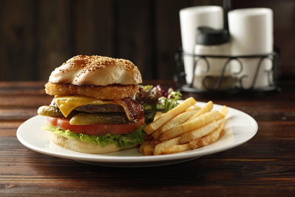 黃金薯餅牛肉漢堡 (4).JPG