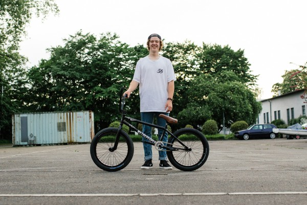 WETHEPEOPLE_2015_VIDEO_RIDERS_FELIX_PRANGENBERG_BIKEBUILD_051-600x400.jpg