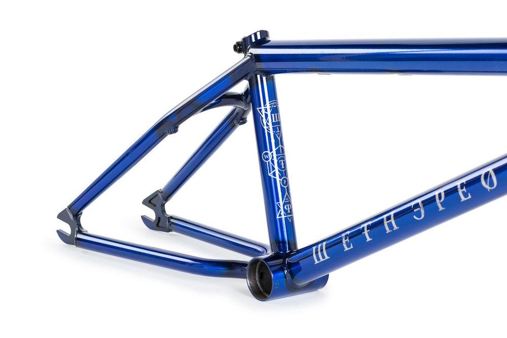 WTP_frames_Patron_blue_05.jpg