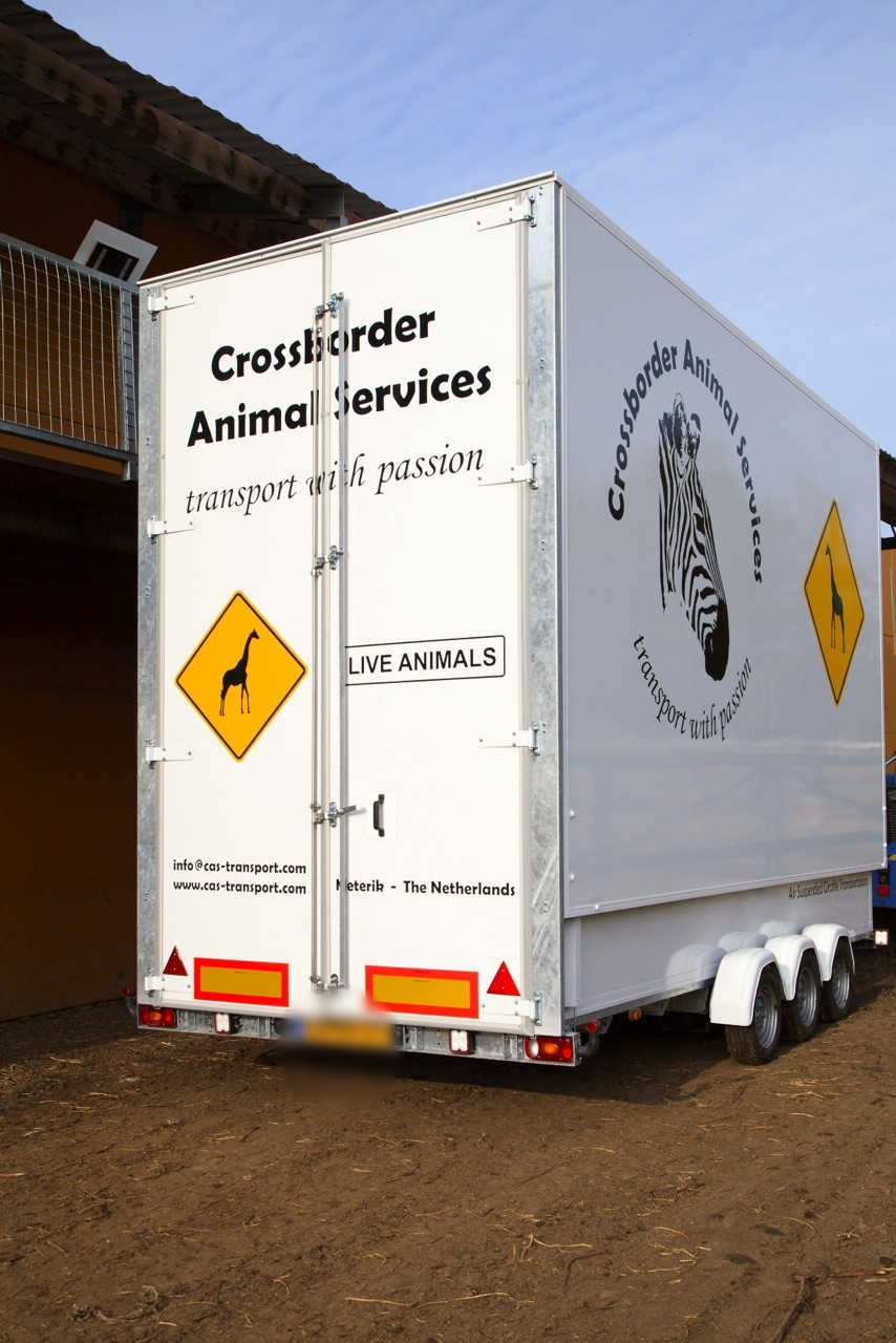 Crossborder Animal Services Giraffe Transportation.jpg