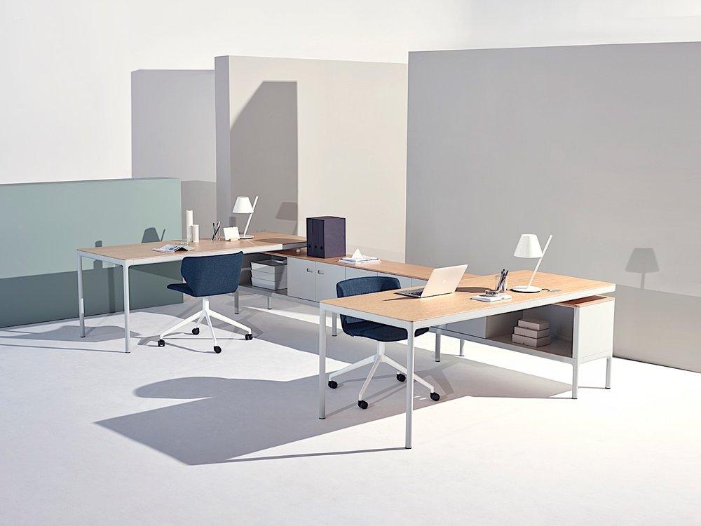 Edge office desk spine