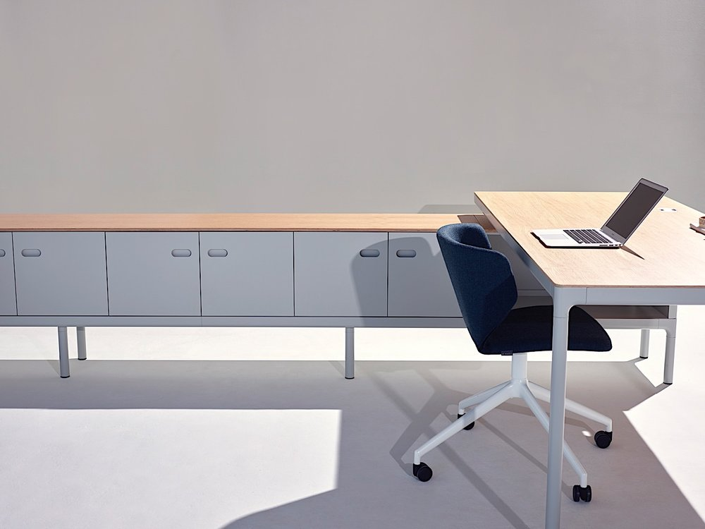 Edge office desk spine details