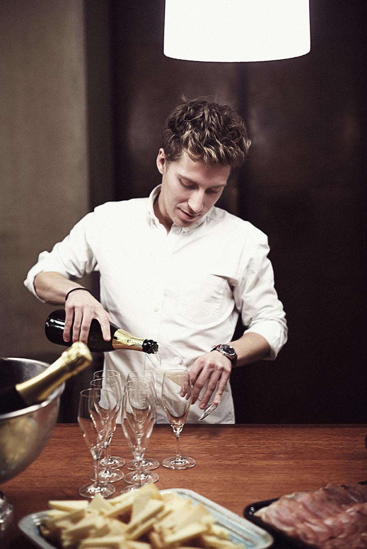 Vinen - Vi sammensætter hellere end gerne en lækker vinmenu til jeres menu. Vi importerer selv en række gode vine og samarbejder derudover med erfarne importører.