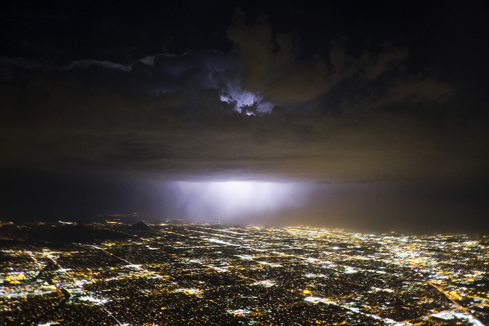 A thunderstorm approaches over the city of Phoenix, AZ. 2015 ©Go Nakamura photography