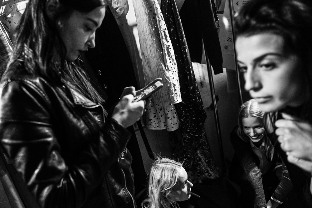 New York Fashion Week backstage. Manhattan, NY. 2016   ©    Go Nakamura     photography