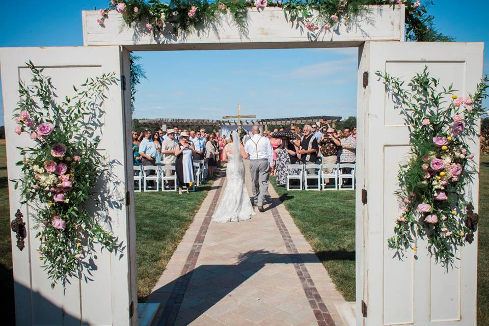 rusticweddingdoors.jpg