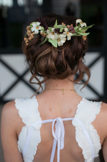 bridal flower crown.png