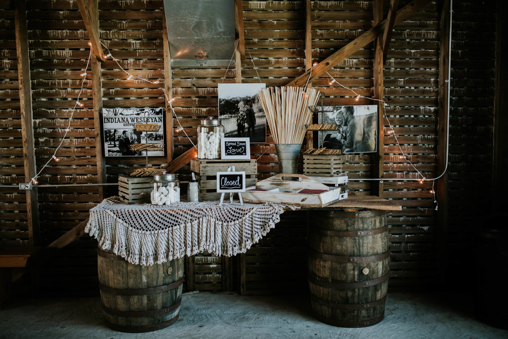 vintage boho wedding idea.jpg
