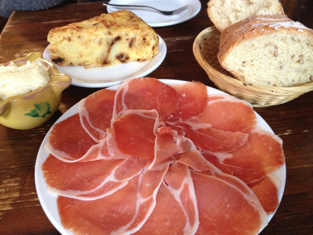 Jamon, Tortilla, Aioli, Tapas BAR Catala, Amsterdam, Netherlands
