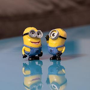 Minions in conversation
