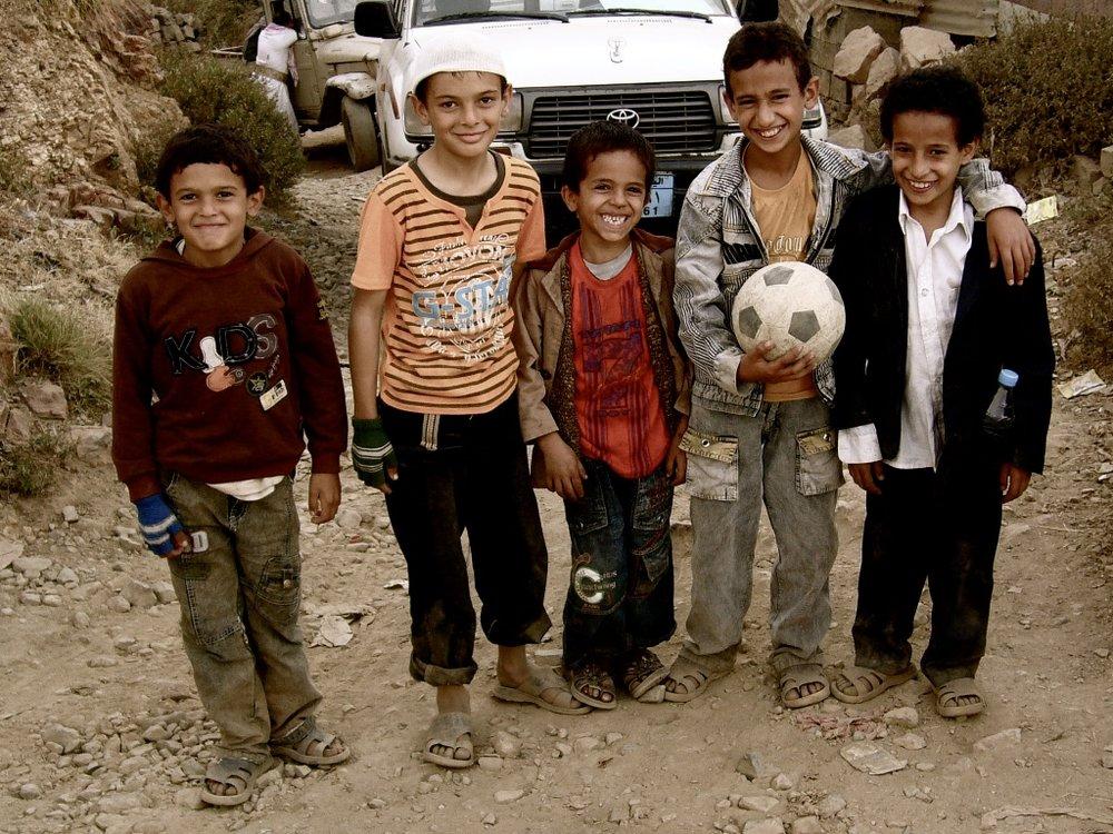 Garotos que adoravam futebol com quem fiz amizade. Jabal Bura, Yemen, 2010.