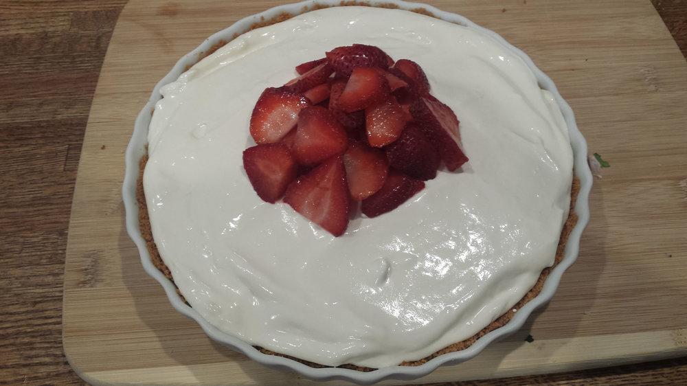 lemonade-pie-with-strawberries.jpg
