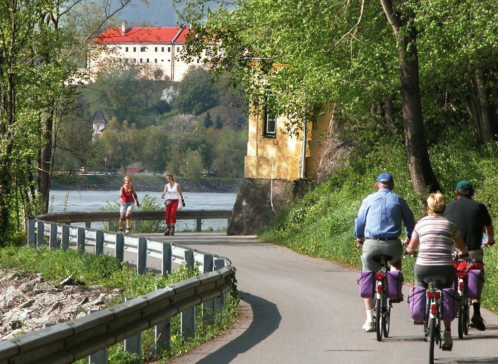 Donau Radweg Passau Bild.jpg