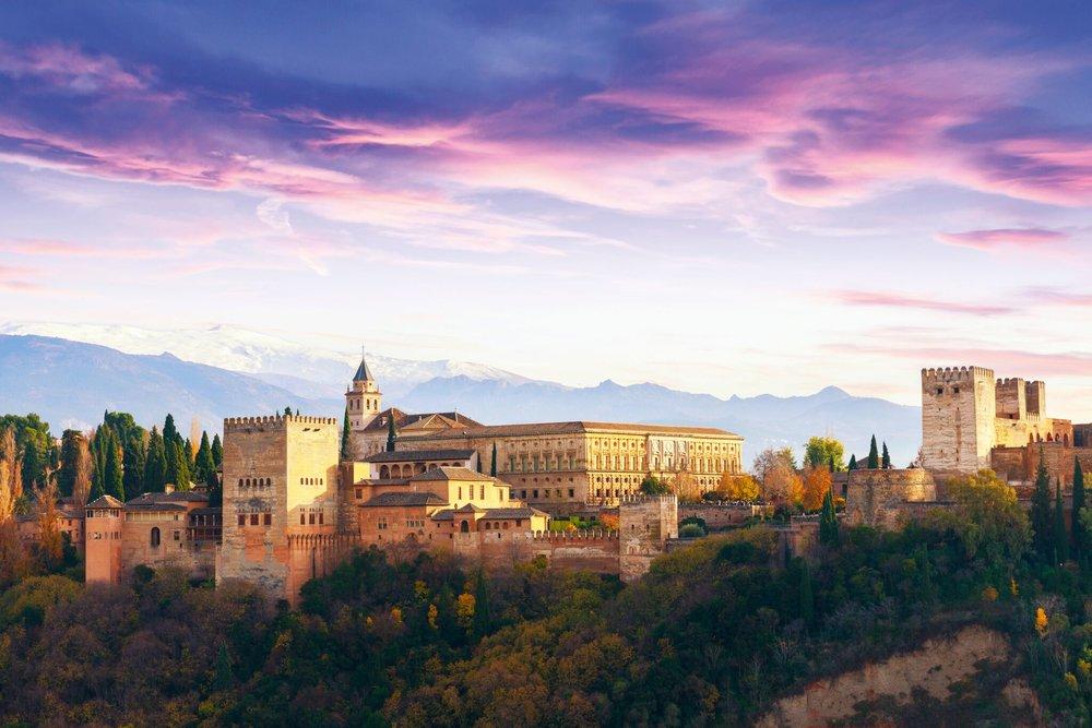Andalusien-Kultur-Stadtburg.jpg