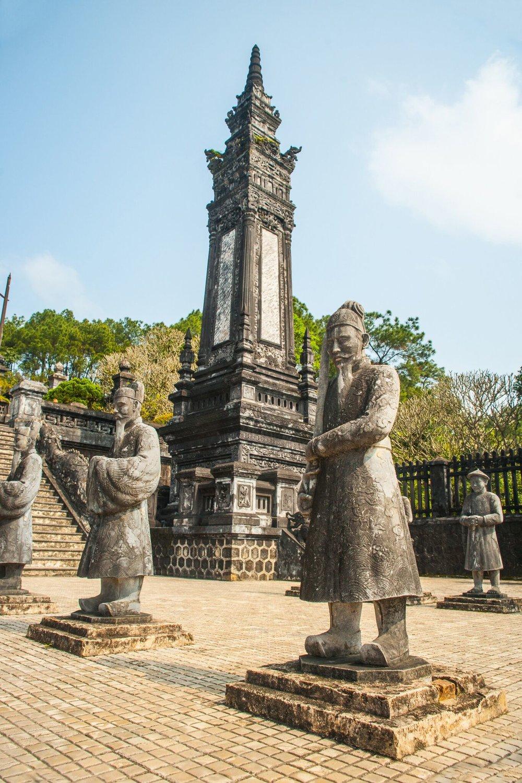 Vietnam-khai dhin in hue.jpg