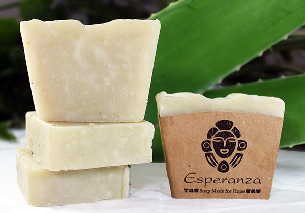 Island Aloe Soap - Made with Aloe gel and essential oils of lemongrass and honey. Made in the US and DR.