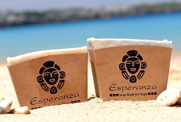Un producto artesanal hecho en la República Dominicana, ideal para turistas buscando un recuerdo de la isla.