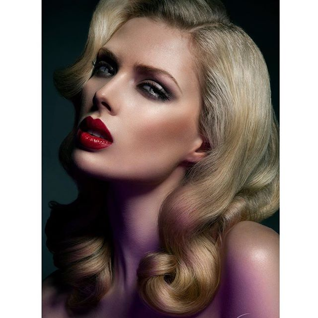 #tbt with my gorgeous girls @jennyguttridge and @ttwophotography this is still an absolute fave of mine 💕 u two make me heart melt  #makeup #makeupisart #makeupartist #mua #makeuplove #love #beauty #beautyshoot #photography #model #redlips #red #blonde #vintage #waves #bbloggers #beautyblogger #charlottetilbury @muastars #nars