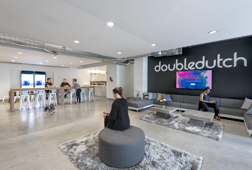 doubledutch-4416-Rev-screens.jpg