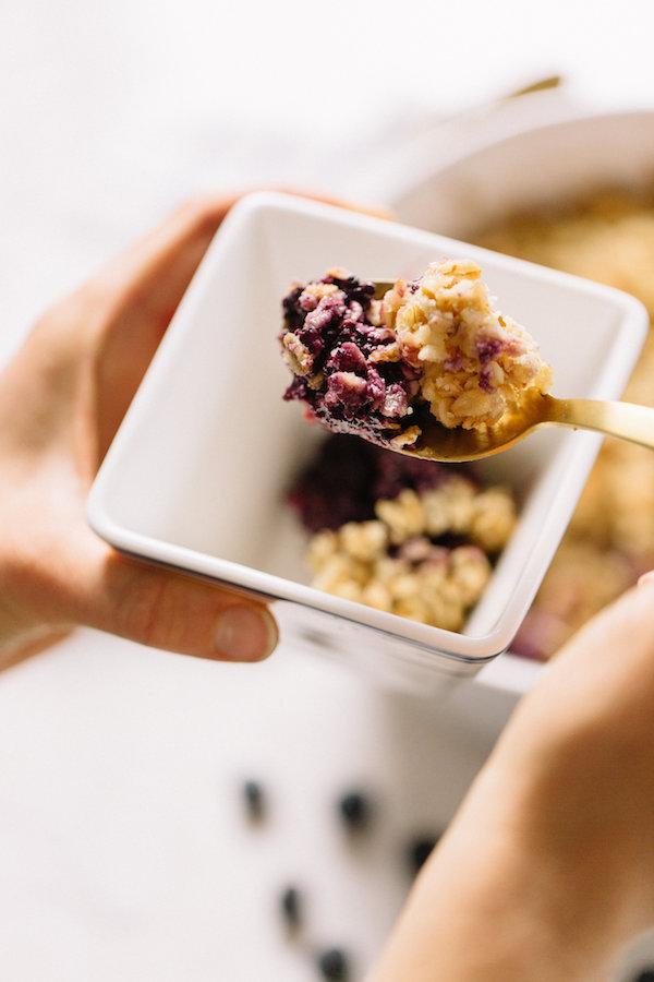 gluten-free-blueberry-crisp.jpg