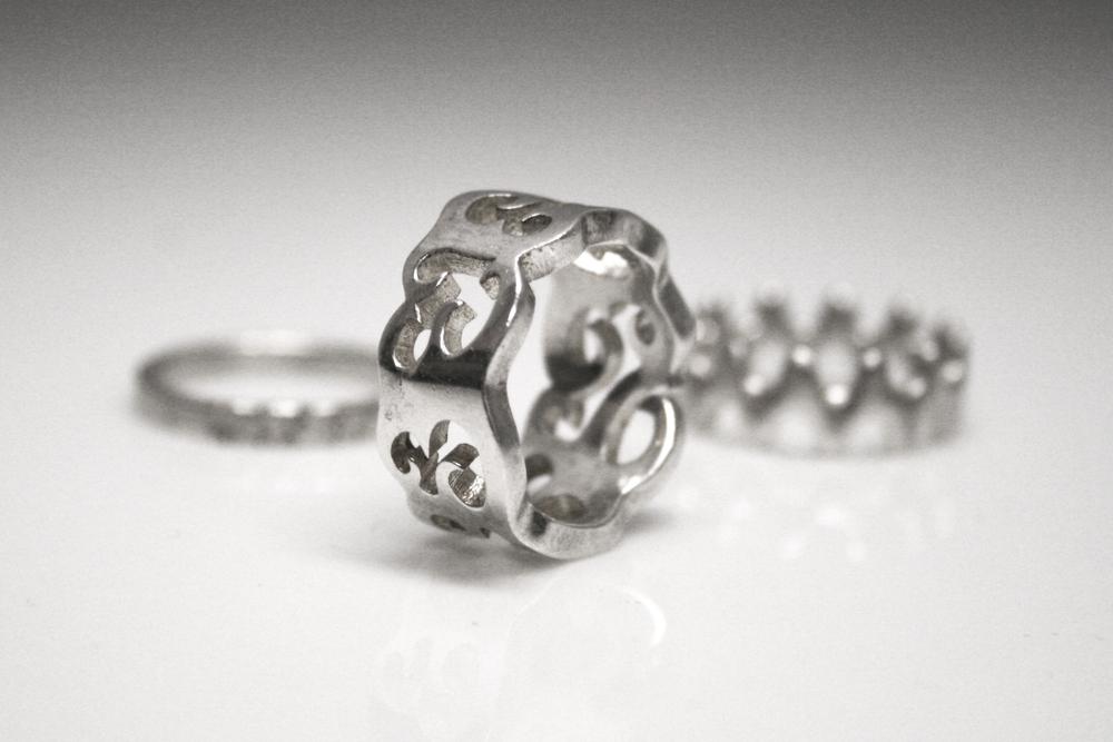 3D printed silver ring. Source: Shapeways, www.Flikr.com