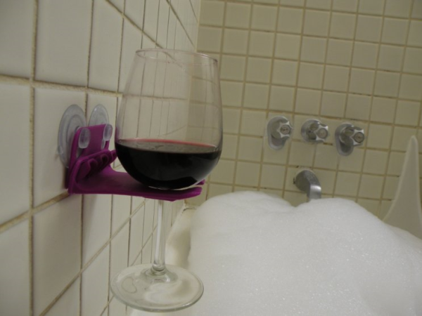 Bathtub wineglass holder. Source: ImagiGadget