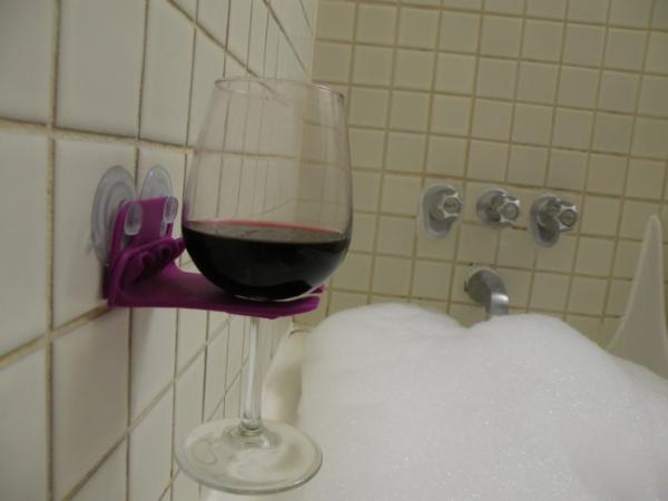Bathtub wineglass holder. Source: ImagiGadget