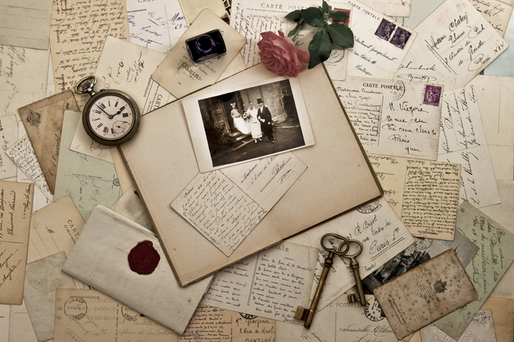 Scrapbooking page. Source: LiliGraphie/Shutterstock.com
