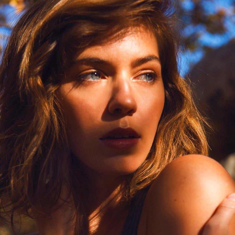 Photographer: Jeff Johanson  Model: Kelsey Walsh