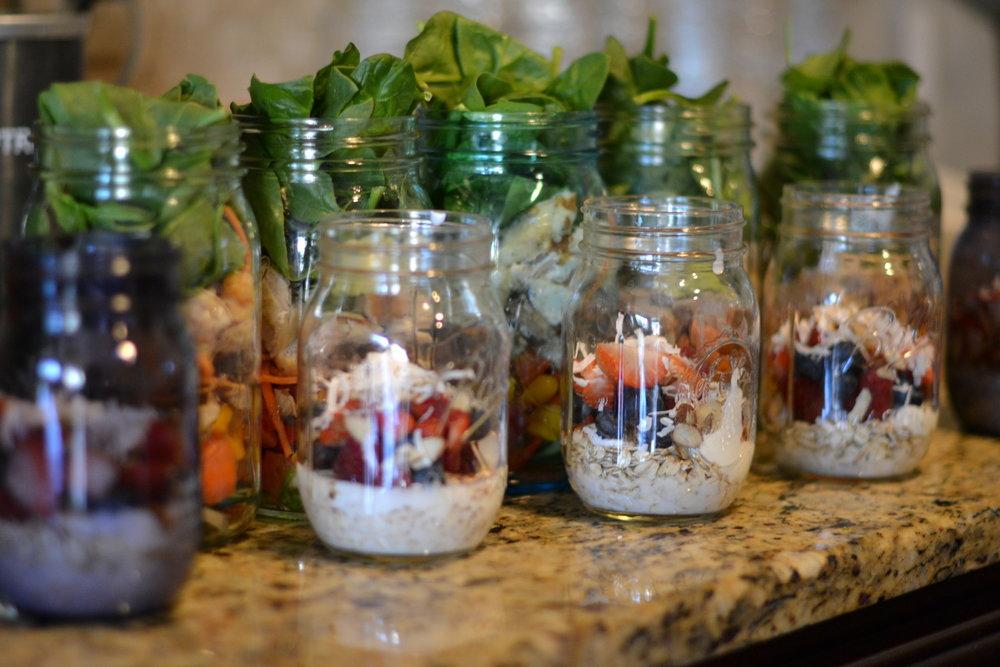 mason jar salads and overnight oats