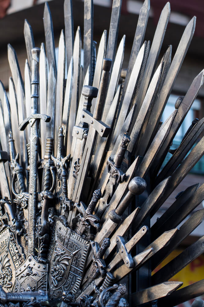 You Can Sit on the Iron Throne or Get in Shape with this Game of Thrones Inspired Treadmill Workout - www.leagendersfitness.com