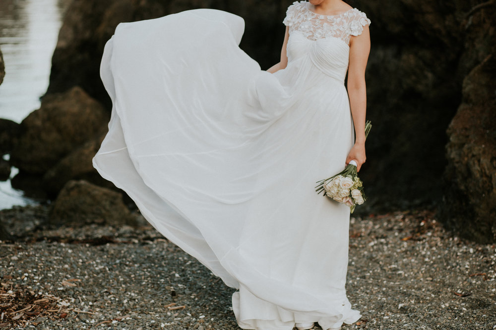 dress wedding photographer seattle