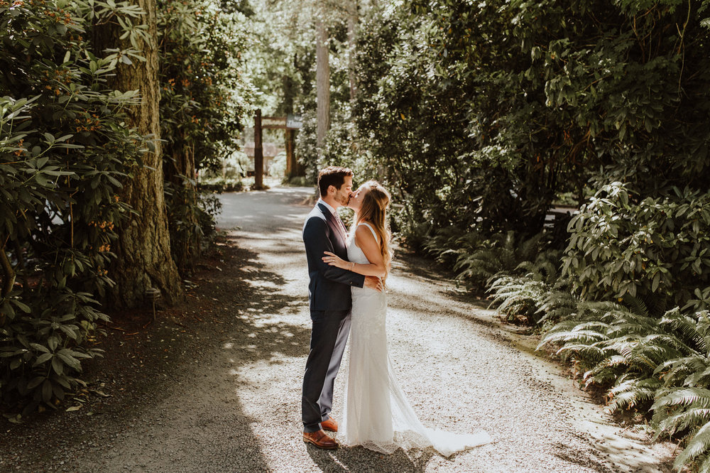 wedding photographer kiana lodge