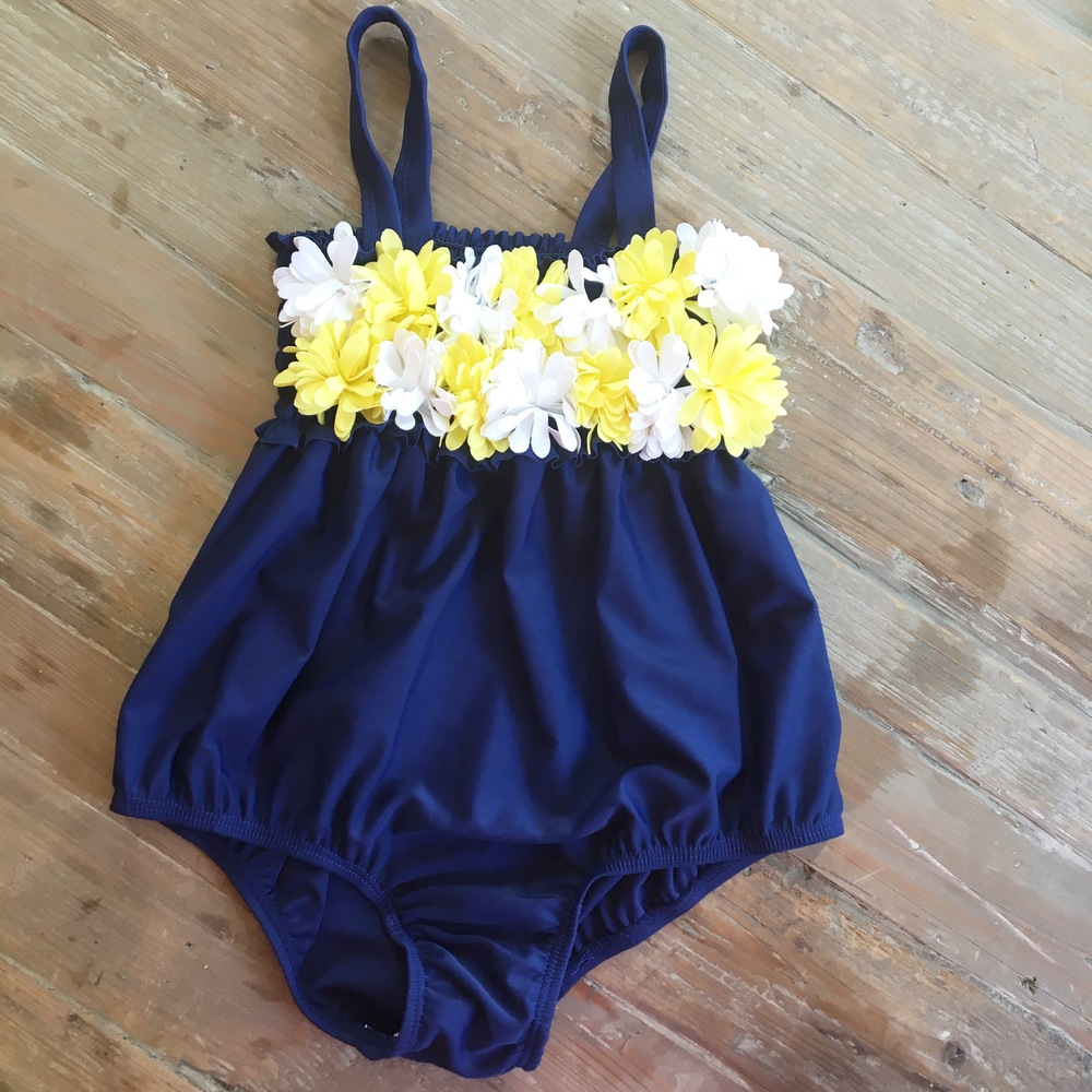 If you are looking for adorable bubble swimwear be sure to check out Beaufort Bonnet.  love everything that they make, and their swimwear is just PRECIOUS check out this one!