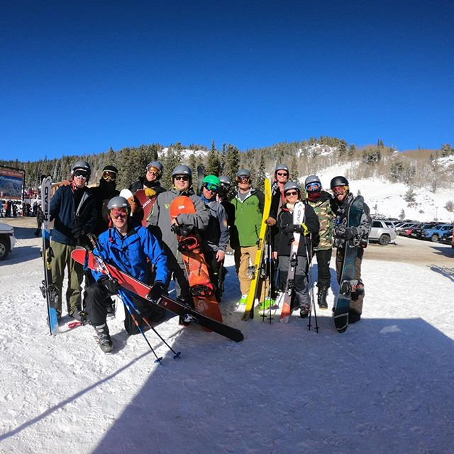 I rarely post anything the same day it's taken so through back to the TexTUs Team on the slopes. It was a ton of fun and a great introduction to skiing for me.