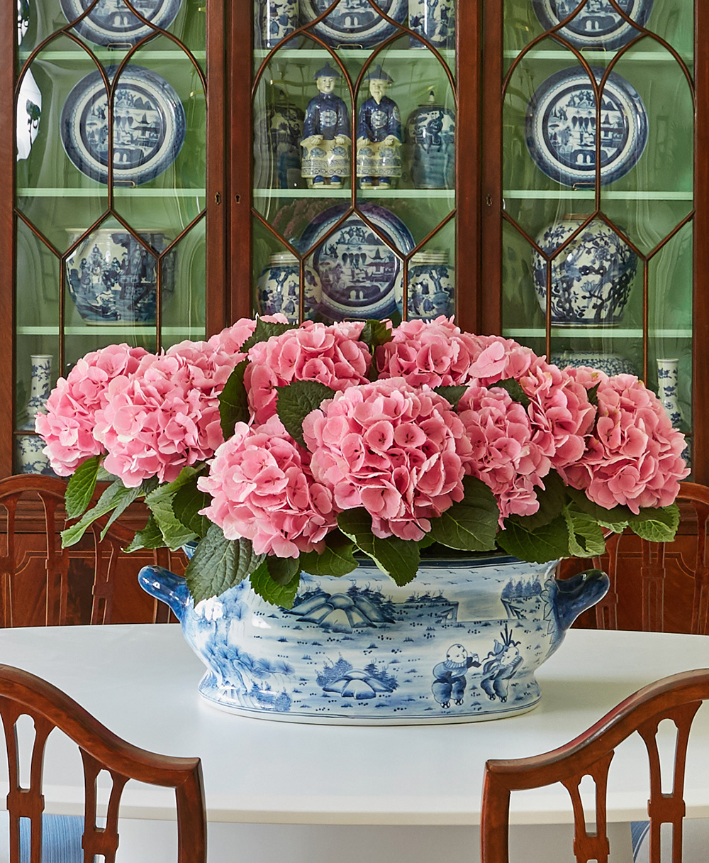 china-cabinet-the-ceh-benjamin-moore-paint-blue-and-white-the-pink-pagoda.jpg