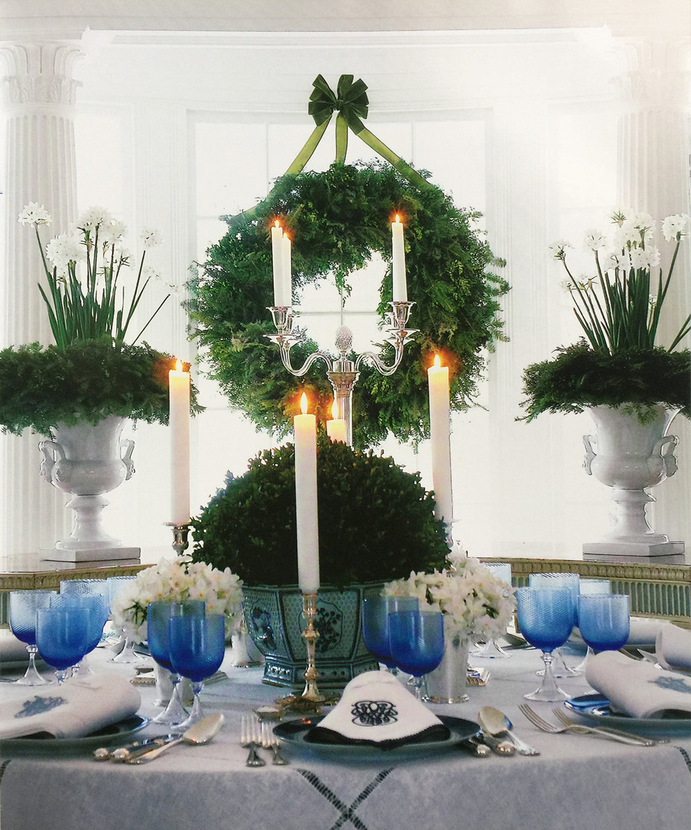 Lovely blue and white table by Carolyne Roehm via her beautiful book, A Passion for Blue and White.