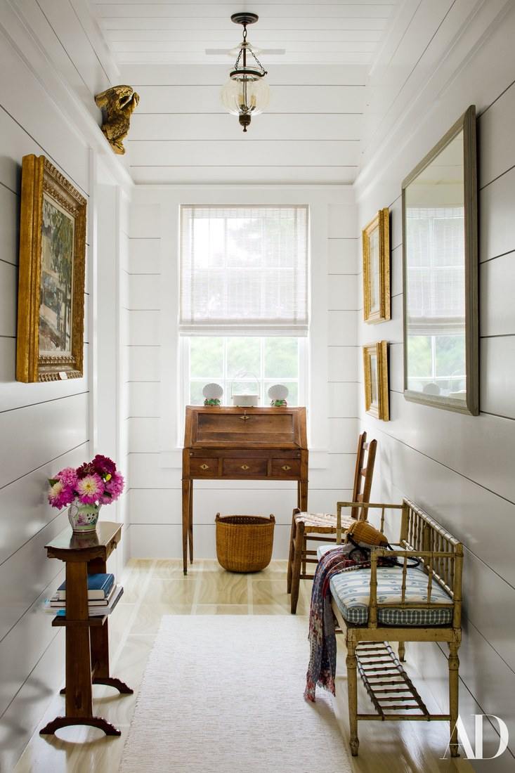 Markham Roberts designed this charming, all-American home in Nantucket.